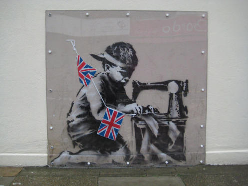 Diapositive 1 sur 11: Banksy returns with a London exhibition