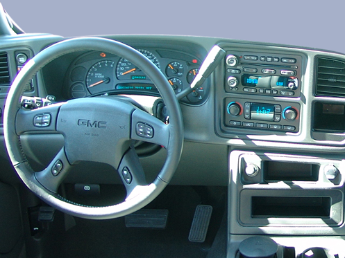 Slide 1 of 11: en-US 2004 GMC Sierra 1500