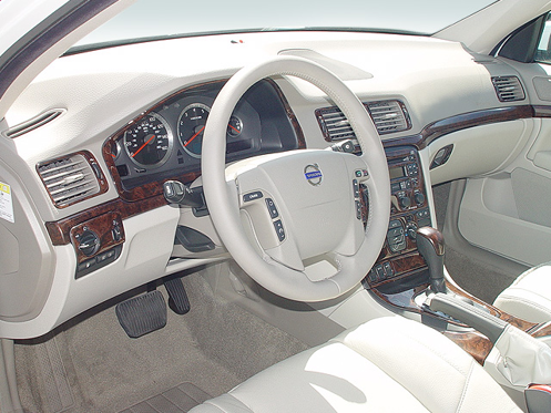 Slide 1 of 7: en-US 2003 Volvo S80