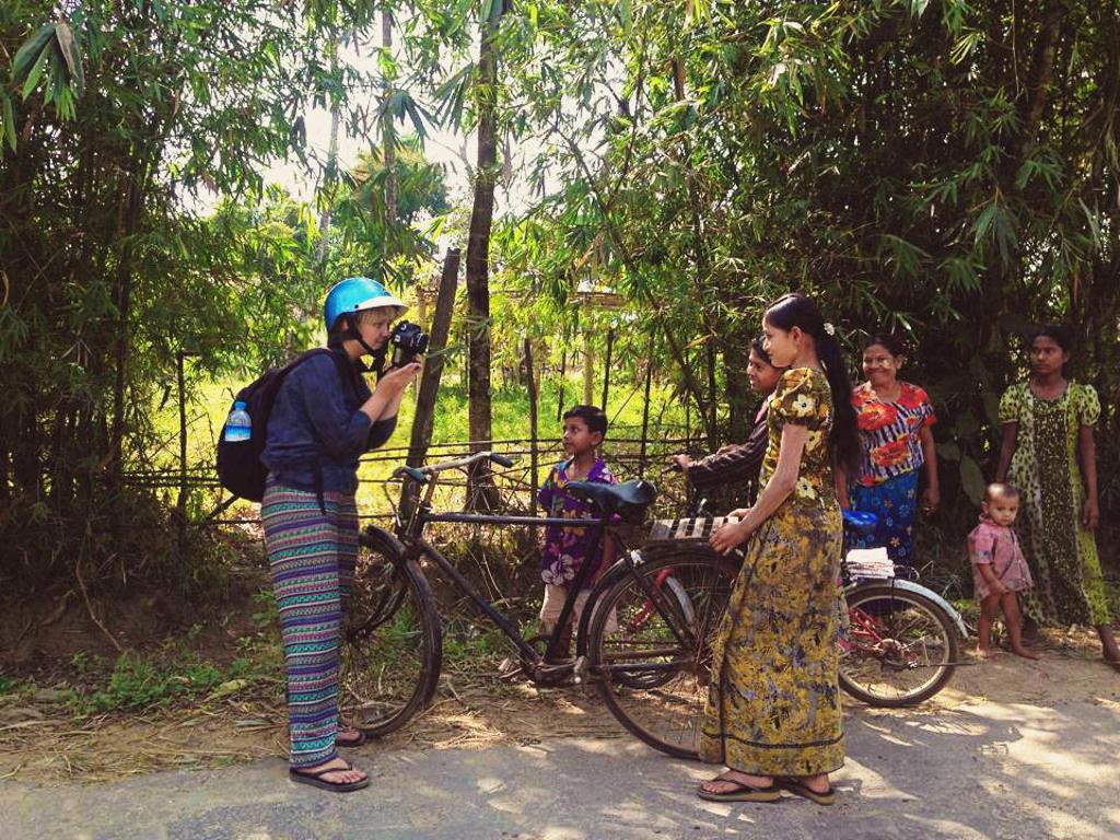 الشريحة 2 من 56: Atlas of Beauty - Mihaela Noroc in Myanmar