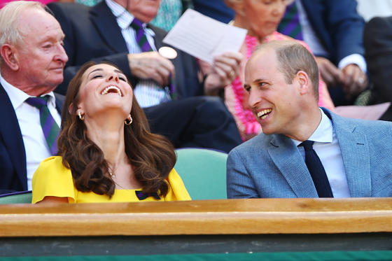 Slajd 1 z 64: LONDON, ENGLAND - JULY 15:  Catherine, Duchess of Cambridge and Prince William, Duke of Cambridge attend the Men's Singles final on day thirteen of the Wimbledon Lawn Tennis Championships at All England Lawn Tennis and Croquet Club on July 15, 2018 in London, England.  (Photo by Clive Brunskill/Getty Images)