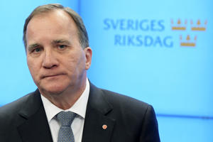 Swedish Prime Minister Stefan Lofven speaks to the press after he was ousted in a vote of no-confidence in the Swedish Parliament Riksdagen on September 25, 2018 in Stockholm.