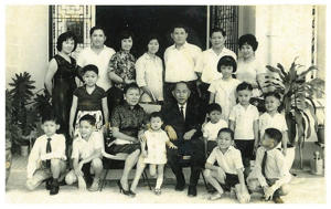 Cheong Wing Kiat's extended family photo during Chinese New Year 1969.