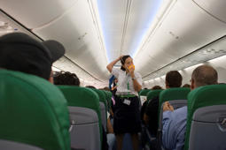 Oxygen masks drop as flight plummets 27,000 feet