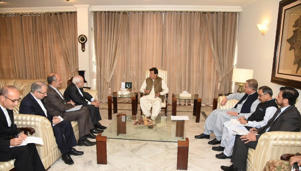 "ISLAMABAD, PAKISTAN - MAY 24 :   (----EDITORIAL USE ONLY  MANDATORY CREDIT - ""FOREIGN MINISTRY OF PAKISTAN / HANDOUT"" - NO MARKETING NO ADVERTISING CAMPAIGNS - DISTRIBUTED AS A SERVICE TO CLIENTS----) Iranian Foreign Minister Mohammad Javad Zarif (4th L) meets Pakistani Prime Minister Imran Khan (C) in Islamabad, Pakistan on May 24, 2019. (Photo by Foreign Ministry of Pakistan / Handout/Anadolu Agency/Getty Images)"