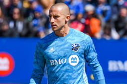 MONTREAL, QC - APRIL 13: Montreal Impact goalkeeper Evan Bush (1) tracks the play during the Columbus Crew SC versus the Montreal Impact game on April 13, 2019, at Stade Saputo in Montreal, QC (Photo by David Kirouac/Icon Sportswire via Getty Images)