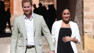 Prince Harry, Meghan Markle are posing for a picture: N/A