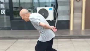Coolest grandpa ever? 88-year-old man shows off roller skating skills