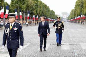 Ranskan presidentti Emmanuel Macron saapui sotilasparaatiin.