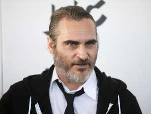 Joaquin Phoenix tähdittää Jokeri-elokuvaa.