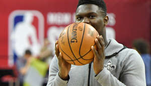 LAS VEGAS, NEVADA - JULY 14:  Zion Williamson #1 of the New Orleans Pelicans warms up on the court before a semifinal game of the 2019 NBA Summer League against the Memphis Grizzlies at the Thomas & Mack Center on July 14, 2019 in Las Vegas, Nevada. NOTE TO USER: User expressly acknowledges and agrees that, by downloading and or using this photograph, User is consenting to the terms and conditions of the Getty Images License Agreement.  (Photo by Ethan Miller/Getty Images)