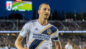 PALO ALTO, CA - JUNE 29: Los Angeles Galaxy forward Zlatan Ibrahimovic (9) chases down the ball during the MLS game between the Los Angeles Galaxy and San Jose Earthquakes on June 29, 2019 at Stanford Stadium in Palo Alto, CA (Photo by Bob Kupbens/Icon Sportswire via Getty Images)
