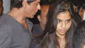 Shah rukh on dinner date with family