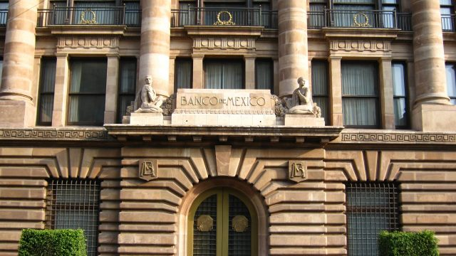 Banxico recorta tasa de interés; la deja en 7 por ciento