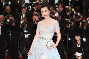CANNES, FRANCE - MAY 16:  Li Bingbing attends  'The Sea Of Trees' Premiere during the 68th annual Cannes Film Festival on May 16, 2015 in Cannes, France.  (Photo by Venturelli/WireImage)