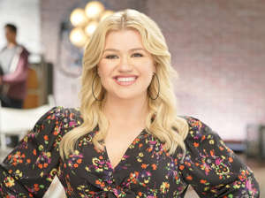 THE KELLY CLARKSON SHOW -- Promos BTS -- Pictured: Kelly Clarkson