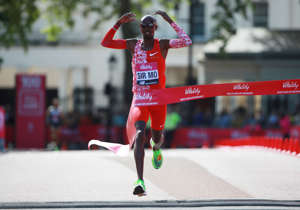 Athletics - London 10,000 - London, Britain - May 27, 2019   Mo Farah celebrates winning the men's elite race   REUTERS/Ian Walton