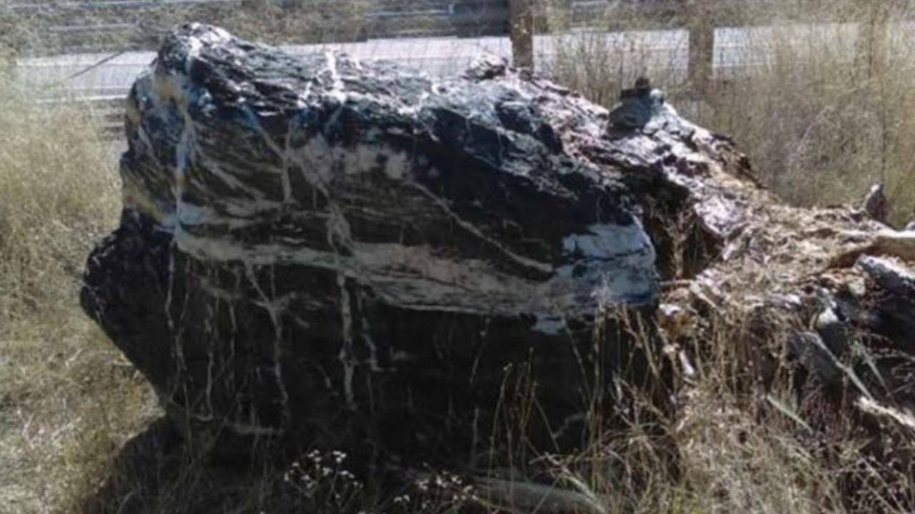 Arizona 'Wizard Rock,' missing 1-ton boulder, mysteriously returns
