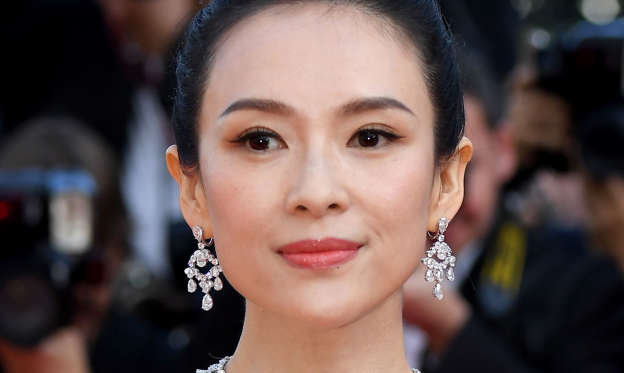 "幻灯片 6 - 1: CANNES, FRANCE - MAY 25: Zhang Ziyi attends the closing ceremony screening of ""The Specials"" during the 72nd annual Cannes Film Festival on May 25, 2019 in Cannes, France. (Photo by Stephane Cardinale - Corbis/Corbis via Getty Images)"