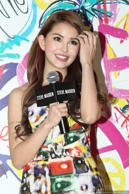 Hannah Quinlivan-21-year-old Mrs. Jay Chou has managed to get all the good genes from her Taiwanese-Korean mother and Australian father.
