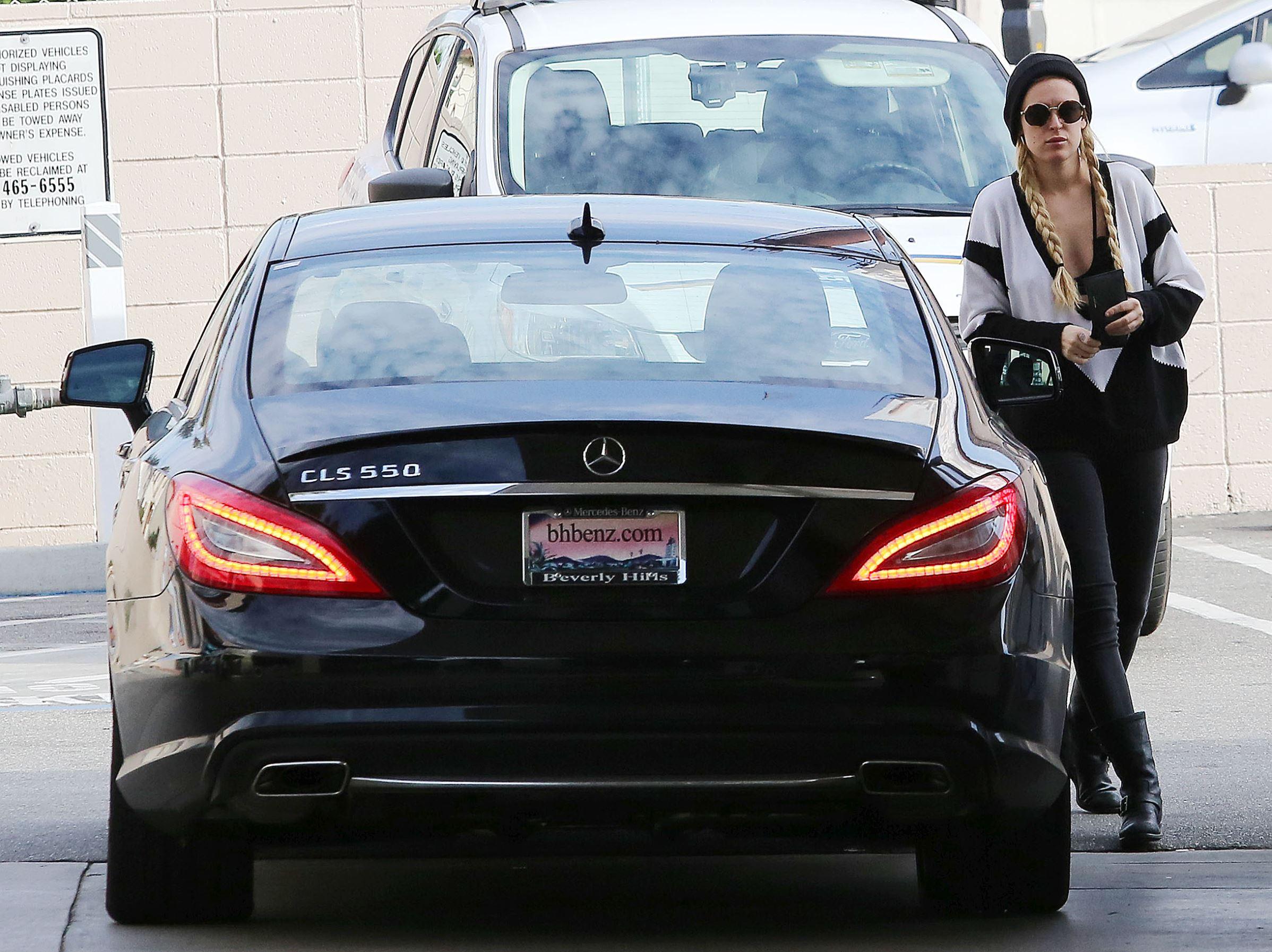 好萊塢大明星駕名車曝光