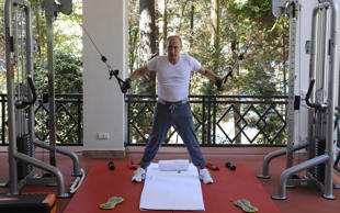 The fear and insecurity behind Putin's bizarre new workout video