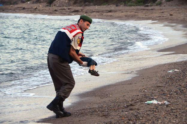 Migrants entering Europe AAdToPv