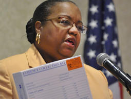 Wayne County Prosecutor Kim L. Worthy holds a rape kit in Detroit on Tuesday, Jan . 6, 2015.
