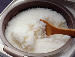 Steamed rice in rice cooker