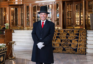 A warm smile at the Alvear Palace Hotel, Buenos Aires © Michelle Chaplow.