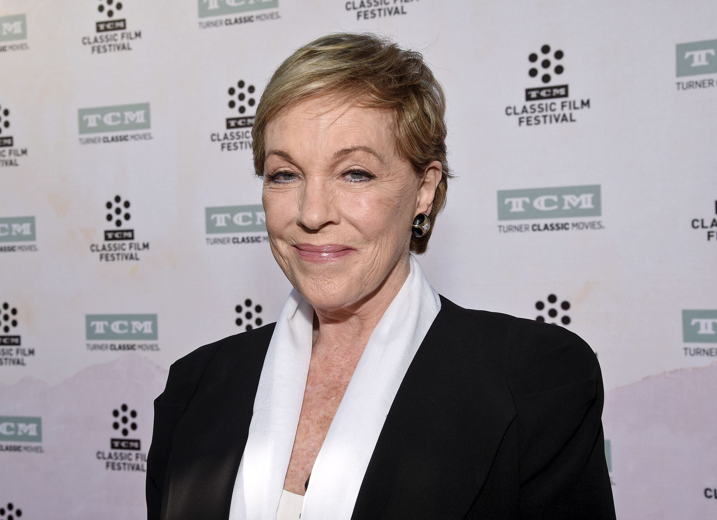 Film and Broadway actress Julie Andrews celebrates her 80th birthday ...