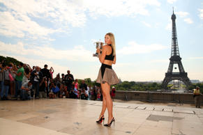 Maria Sharapova - 6 feet 2 inches (1.88 meters)