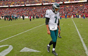 Philadelphia Eagles quarterback Sam Bradford leaves the field after a game again...