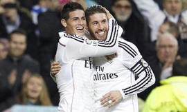 James y Ramos celebran un gol del Real Madrid.