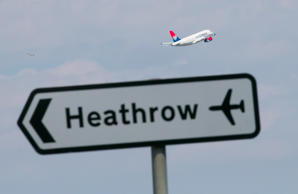 Gatwick launches last-ditch attack on Heathrow expansion