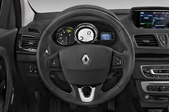 Slide 1 of 24: 2014 Renault Mégane Hatch