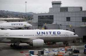 United Airlines flight diverted after co-pilot passes out