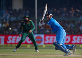 Defiant Dhoni & India's finishing woes