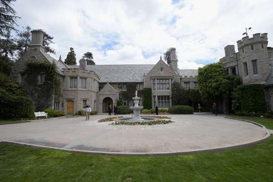 1.The Playboy Mansion, California, USA. Worth: $196m.