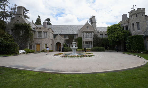 Dia 1/15: 1.	The Playboy Mansion, California, USA. Worth: $196m.