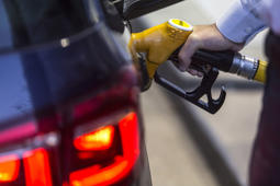 Look for higher holiday gasoline prices