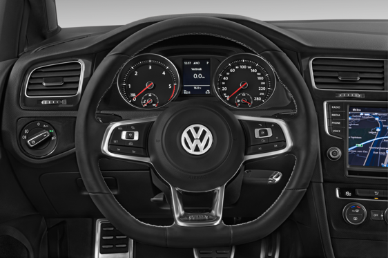 Slide 3 of 11: 2014 Volkswagen Golf