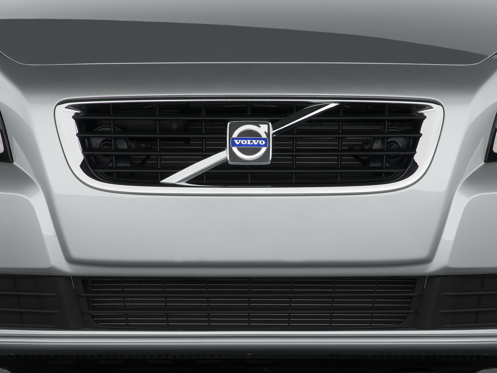 Slide 1 of 25: 2011 Volvo S40