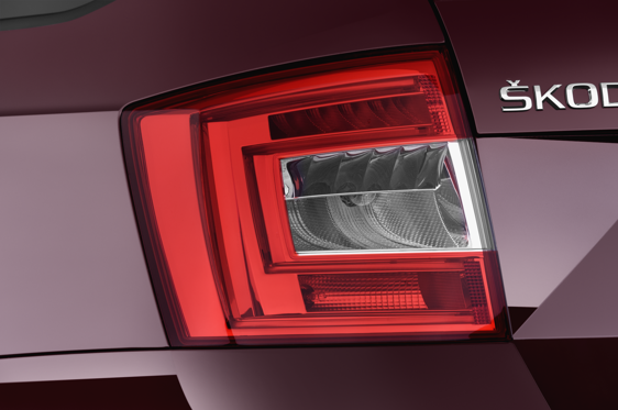 Slide 2 of 25: 2015 Skoda Octavia