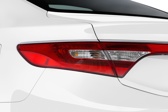 Slide 1 of 24: 2014 Hyundai Azera