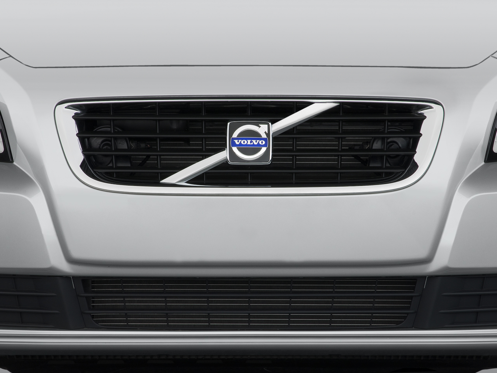 Slide 1 of 24: 2009 Volvo S40