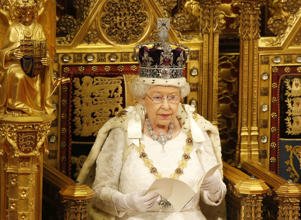 State Opening of Parliament, London, Britain - 18 May 2016 Britain's Queen Elizabeth II reads the Queen's Speech from the throne during the State Opening of Parliament in the House of Lords in London