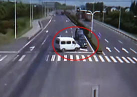 This is the most infuriating car crash ever