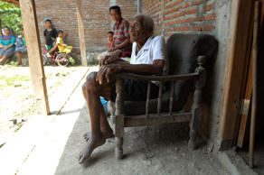 An Indonesian man, named Mbah Gotho, claimed to be 146 years old, is the oldest ...