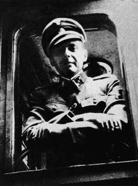 Un fil de discussion en mémoire des millions de victimes des nazis - Page 14 AAimXGy